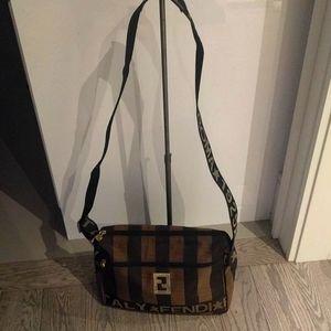 Beautiful vintage canvas crossbody bag by Fendi 🍀